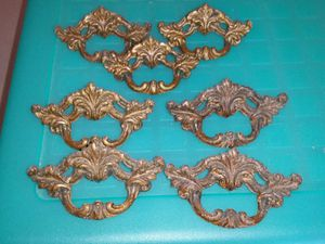 Set of 7 antique dresser drawer pulls for Sale in Stewartsville, NJ