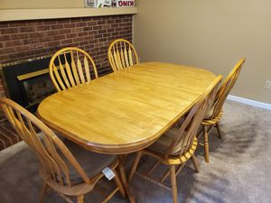 Nice expandable dining set (oak I believe) for Sale in Colorado Springs, CO