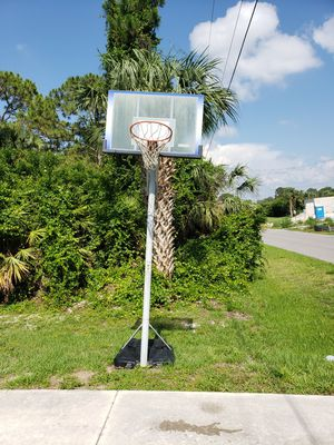 Basketball Hoop for Sale in North Port, FL