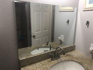 Espejo para baño for Sale in Hayward, CA