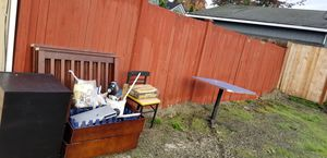 Free stuff..Posting for a friend!!!.in alley behind burger king on Broadway for Sale in Everett, WA