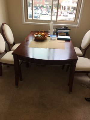 Dining table for Sale in Alexandria, VA