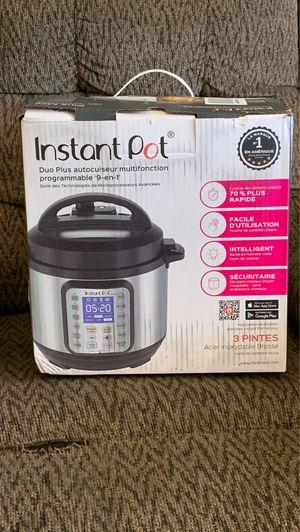 Instant Pot Duo Plus 9 in 1 ; 3 quart for Sale in Bakersfield, CA