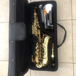 Gold Alto Saxophone for Sale in North Las Vegas,  NV