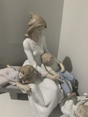 An Afternoon Nap Mother Lladro Glossy porcelain figurine SKU 01006765 for Sale in Miami, FL