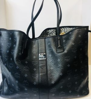 MCM Liz Shopper Large Black Tote with POUCH for Sale in Charlottesville, VA