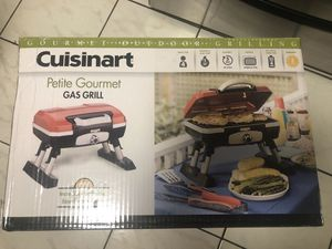 New petite gourmet gas grill for Sale in Miami, FL
