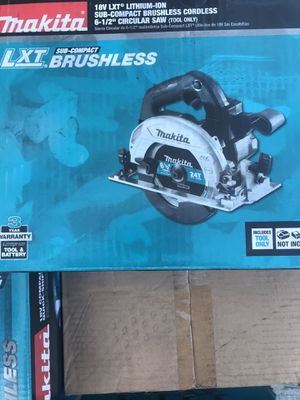 Makita 18v 6-1/2 in. LXT Sub-Compact Brushless Cordless Circular Saw (Tool Only) New for Sale in San Diego, CA