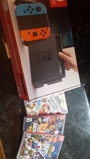 Barely used Nintendo switch for Sale in Tacoma, WA