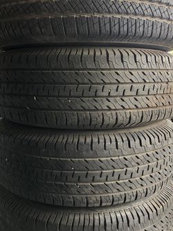 265 70 17 Tires Set Of 4 Like New for Sale in Orlando,  FL