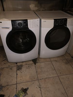 Gas washer and gas dryer for Sale in Los Angeles, CA
