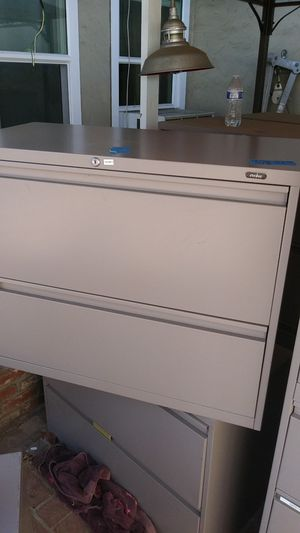 Filing cabinet 2 drawer made by evolve for Sale in Bellflower, CA