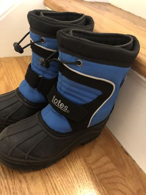 Kids 13 size snow boots for Sale in Stamford, CT