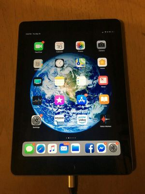"""iPad (Latest Model"""" w/ Wifi & Cellular 128GB Unlocked - Space Gray for Sale in Beaumont, TX"""