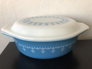 Pyrex Snowflake Garland 043 Casserole Dish for Sale in Milpitas, CA