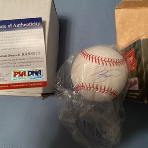Authentic Mike Piazza signature baseball for Sale in Fort Lauderdale, FL