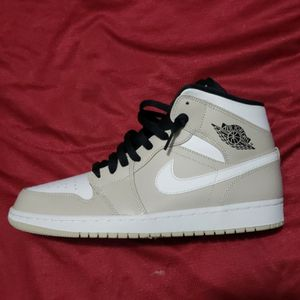 Jordan 1 Size 10 for Sale in Los Angeles, CA