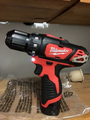Milwaukee M12 12-Volt Lithium-Ion Cordless 3/8 in. Drill/Driver Kit 1.5 Ah Batteries, for Sale in Laurel, MD