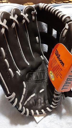 Adult Right handed Wilson baseball glove for Sale in Erdenheim, PA