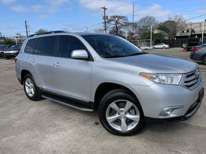 2013 Toyota Highlander clean title for Sale in Houston, TX