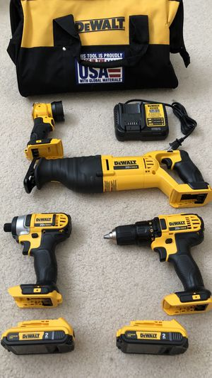 DeWalt 20-Volt MAX Lithium-Ion Cordless Combo Kit (4-Tool) with (2) Batteries, Charger and Contractor Bag for Sale in Hacienda Heights, CA