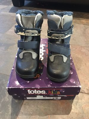 Kids Totes Snow boots, toddlers size 8 for Sale in Oceanside, CA