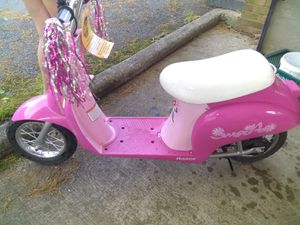 Never used Razor Sweet pea scooter for Sale in Smyrna, TN