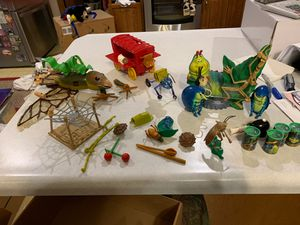 Disney: ABugsLife collection of miscellaneous toys AND Picture Frame for Sale in Chippewa Falls, WI