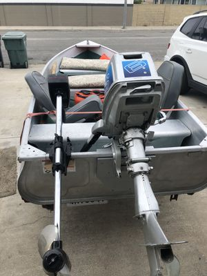 1967 sears 12 foot aluminum boat with 6hp 2 stroke outboard motor and 1.5 hp trolling motor for Sale in Huntington Beach, CA