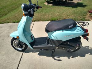 Bintelli Breeze Scooter for Sale in Willow Spring, NC