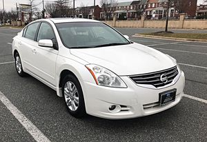 2010 Nissan Altima Excellent Conditions low Miles //82,642//Millas for Sale in Baltimore, MD