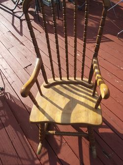 Antique Rocking Chair for Sale in Cumberland,  VA
