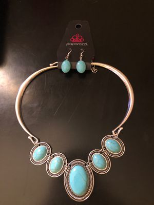 Turquoise and Silver Short Necklace for Sale in El Paso, TX