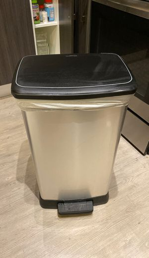 Stainless steel trash can for Sale in Miami, FL