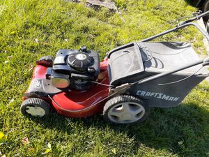 Lawn mower craftsman power 6.5 machine good condition good works serios compradores por favor for Sale in UNIVERSITY PA, MD