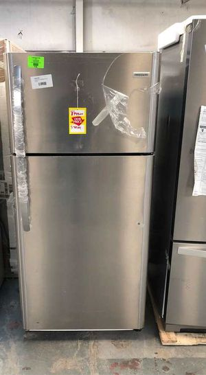 Frigidaire LFTR1821TF refrigerator JE U for Sale in El Paso, TX