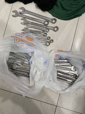 Snap-on, metrinch,Craftman, Performance tool, & Husky wrenches for Sale in Miami, FL