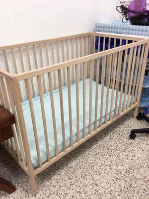 Baby crib for Sale in Pembroke Pines, FL