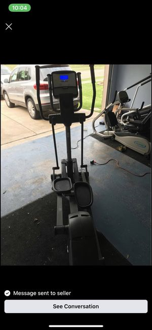 NordicTrack 800 AudioStrider Elliptical. Good condition for Sale in Arlington, TX