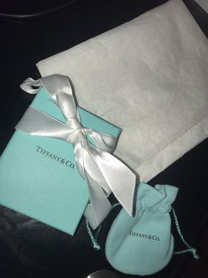 TIFFANY&CO Jewelry Box With Pouch for Sale in Los Angeles, CA