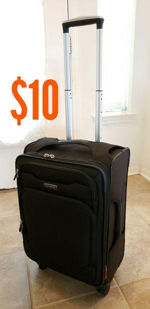 "Samsonite 22"" wheeled luggage for Sale in Port Lavaca, TX"