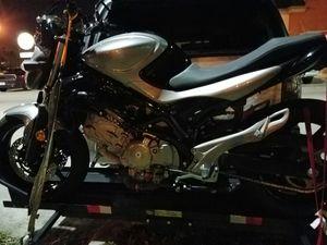 Suzuki 650 MINT SFV650 motorcycle for Sale in Miami, FL