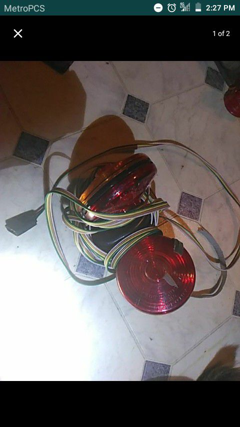 Trailer tow lights
