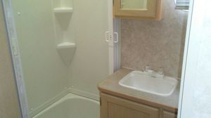 2004 areolite 5th wheel camper for Sale in NEW KENSINGTN, PA