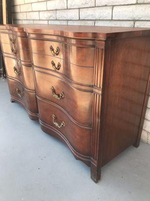 Dresser wood good condition for Sale in Phoenix, AZ