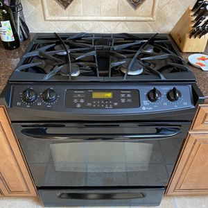 GE profile oven - Good Condition, Just Remodeling Kitchen. for Sale in Alexandria, VA