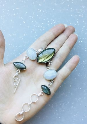 Moonstone and Labradorite Bracelet, 7 1/2 inches, jewelry for Sale in Surprise, AZ