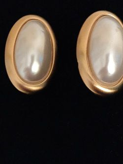 Clip On Pearl Earrings for Sale in St. Louis,  MO