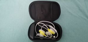 Bose Soundsport Wireless Earbud Headphones With Bose Charging Case for Sale in Whitehall, OH