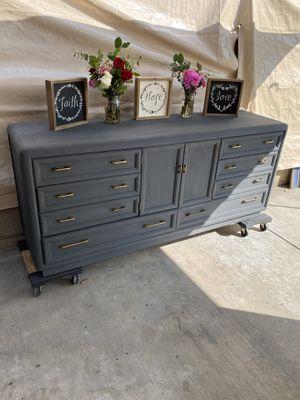 Tv stand / dresser for Sale in Covina, CA